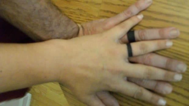 10-great-wedding-ring-tattoo-ideas
