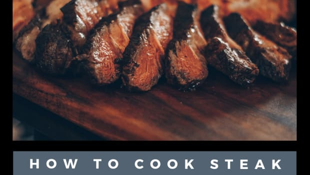 cooking-steak-in-cast-iron-skillet