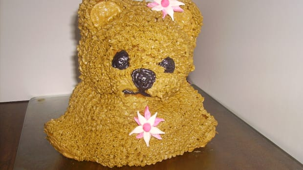 First attempt, I did not use enough batter. Don't make this mistake or your bear will be pawless!!