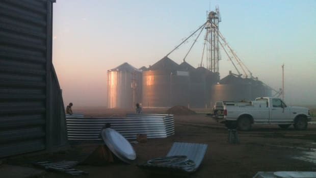 how-to-erect-a-grain-bin-a-picture-tutorial