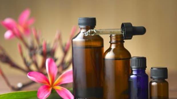 hemorrhoid-relief-using-essential-oils