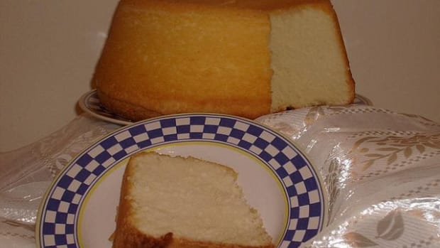 moms-best-pound-cakes