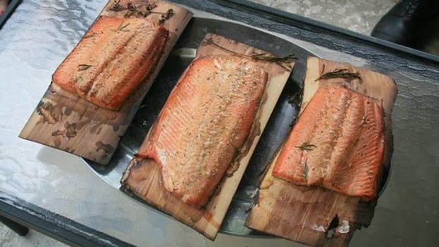 culinary-basics-cedar-planked-salmon