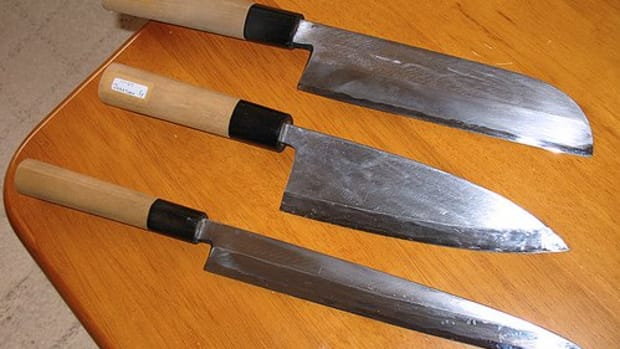 Japanese Knives - from top: Usuba, Deba, & Yanagiba (Photo courtesy by panduh from Flickr.com)