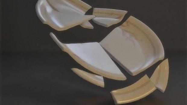 why-do-greeks-smash-plates-at-weddings