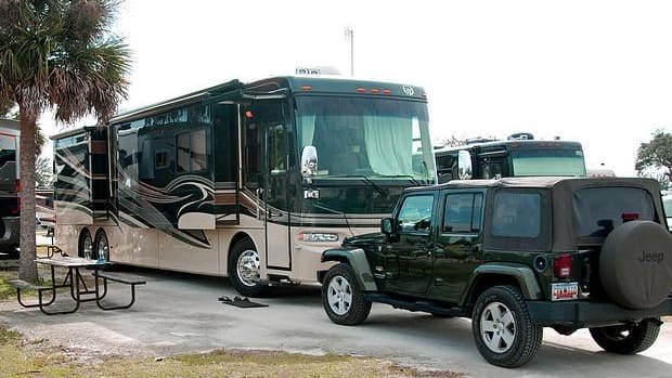 backing-your-rv-into-a-campsite