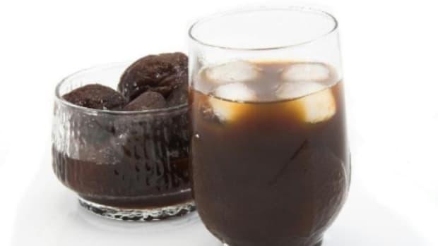 prune-juice-benefits-older-adults