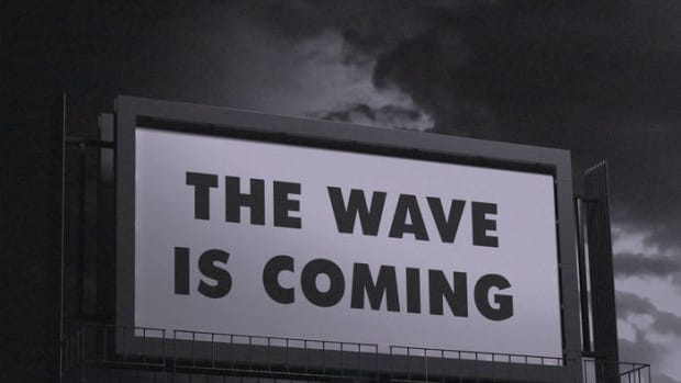 synth-single-review-the-wave-is-coming-by-life-patterns