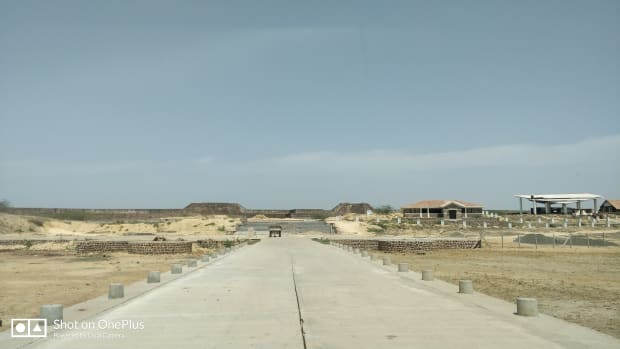 lakhpat-in-kutchch-a-semi-ghost-town-with-a-difference