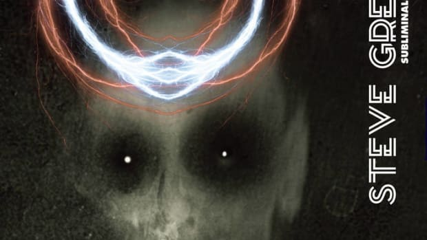 synth-single-review-subliminal-dark-waves-by-steve-greene