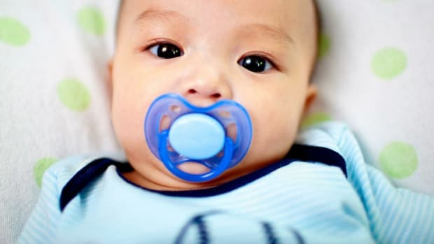how-to-clean-your-babys-pacifier