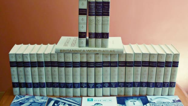encyclopedia-britannica-1969-200th-anniversary-white-set-dictionaries-atlas