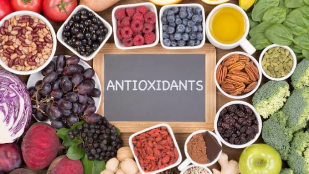 antioxidant-health-benefits-food-sources-diet-risks-supplements-types-and-nutritional-data
