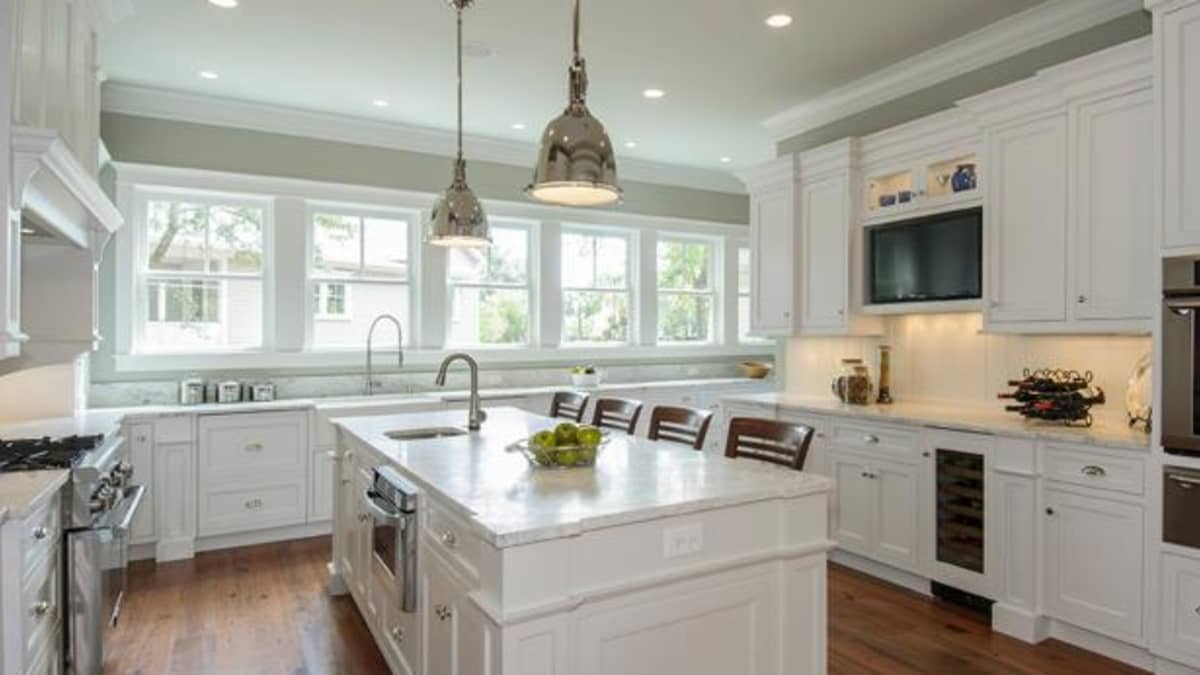 What S The Cost To Paint Kitchen Cabinets Dengarden