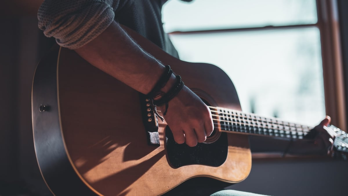 6 Music Careers for Guitarists Besides Rock Star - Spinditty