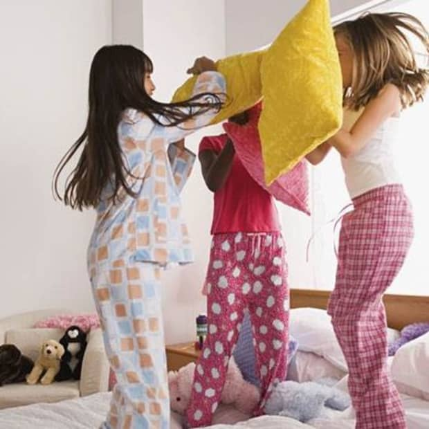 hosting-the-perfect-slumber-party