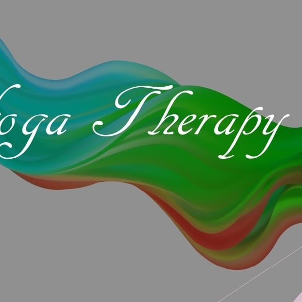 yoga-vs-yoga-therapy-what-to-choose
