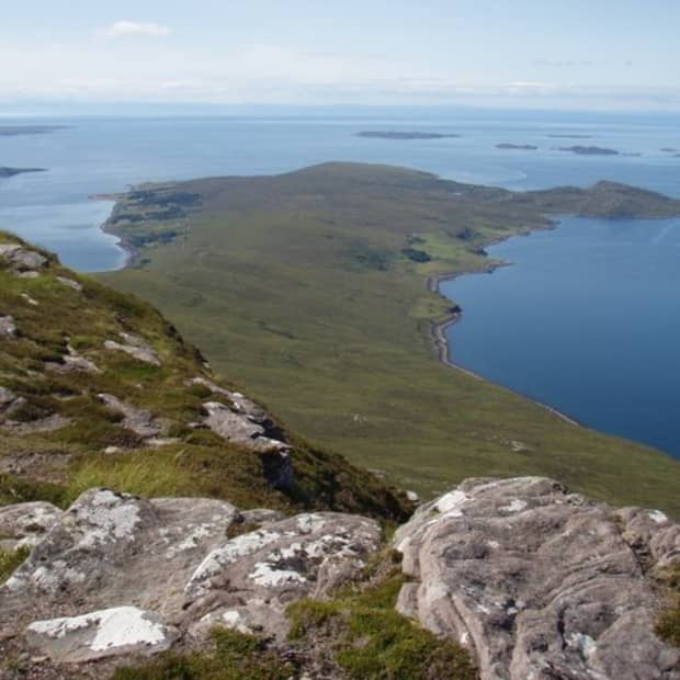 off-the-grid-and-at-peace-in-scoraig-scotland