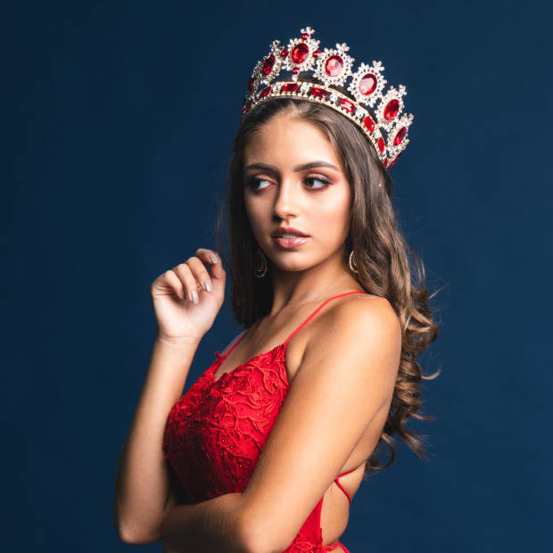 100-thoughtful-questions-and-philosophical-questions-judges-ask-at-beauty-pageants