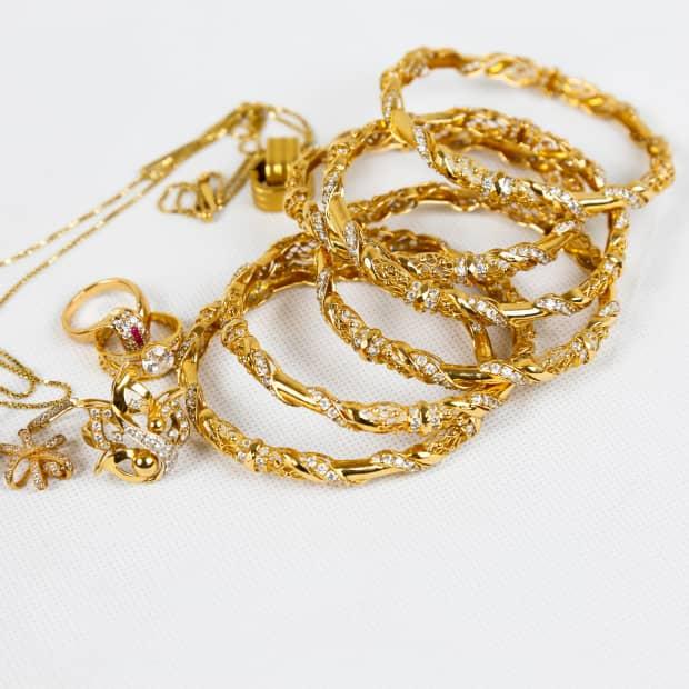 Gold jewelry markings