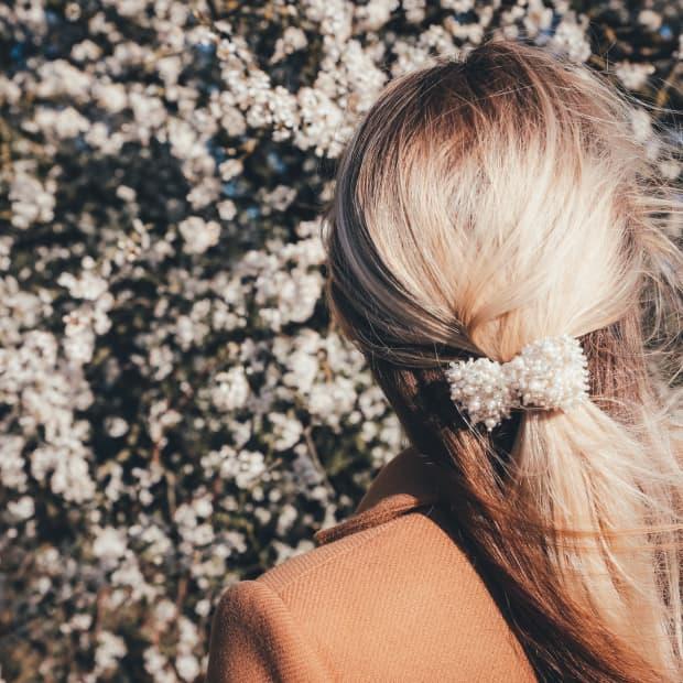 Blonde hair dying