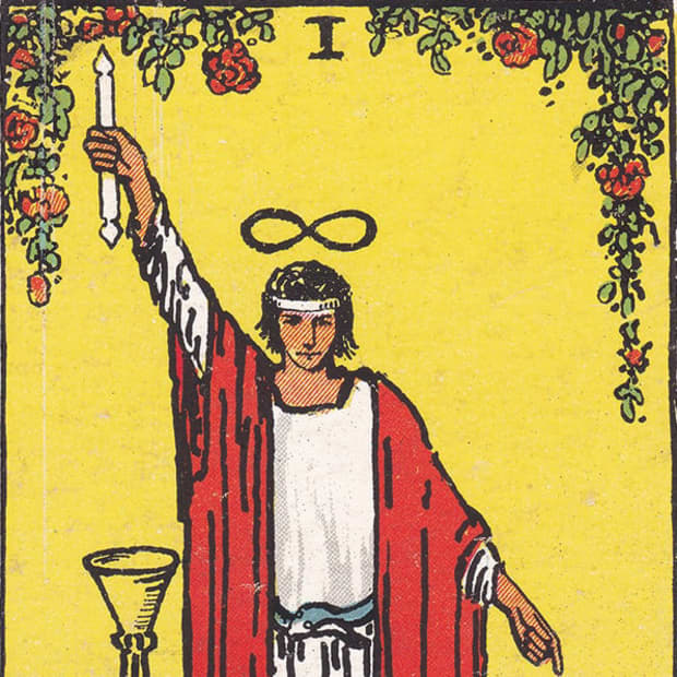 how-to-interpret-the-magician-card-in-tarot