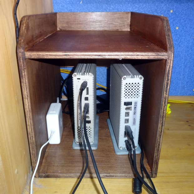 how-to-make-a-wooden-housing-for-external-hdds-with-filing-tray-on-top