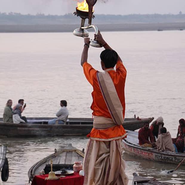 funerals-in-varanasi-india