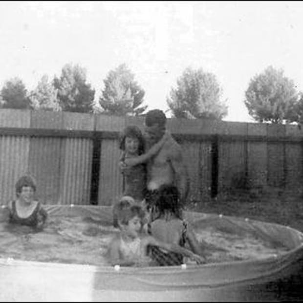 memories-of-my-first-school-and-christmas-day-in-lamaroo-australia-in-1967-as-a-10-year-old-irish-ten-pound-pom