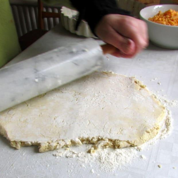 how-to-make-shortcrust-pastry-recipes-quiche-lorraine-recipe-apple-pie-rhubarb-tart