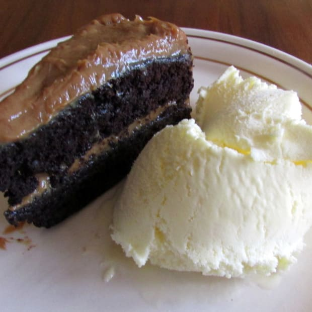 recipe-for-chocolate-cake-with-dulce-de-leche-filling-from-scratch-how-to-make-homemade-caramelized-condensed-milk