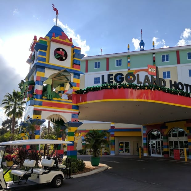 family-vacation-at-legoland-hotel-florida