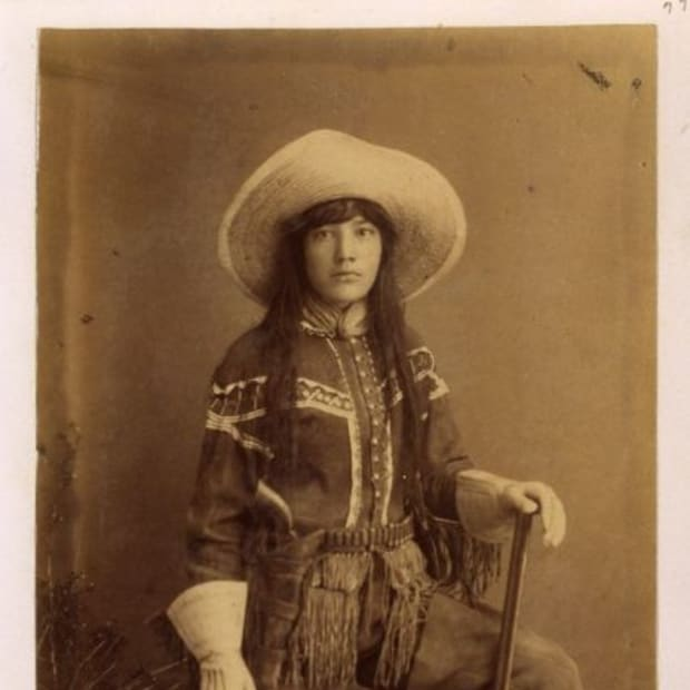 clothing-of-women-in-the-historic-american-west