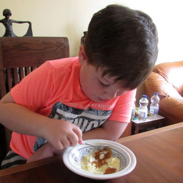 recipe-for-caramel-sauce-how-to-make-homemade-rich-sweet-caramel-my-easy-recipes-for-desserts-heavy-cream