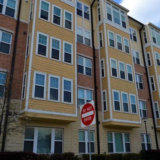 what-are-the-advantages-and-disadvantages-of-renting