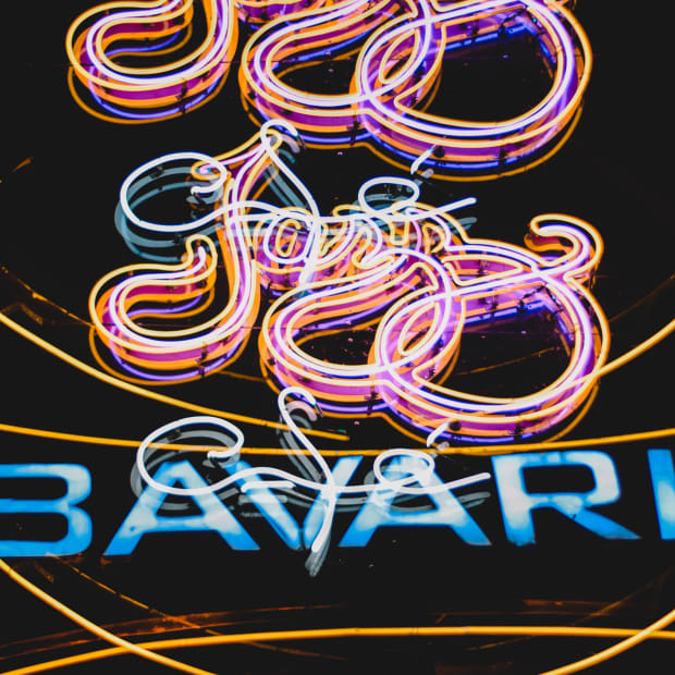 neon signs advertising jazz