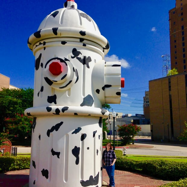 travel-with-me-to-see-the-worlds-largest-working-fire-hydrant-in-beaumont-tx