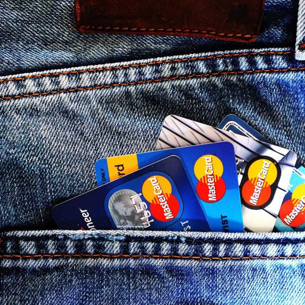 应该是你付费的你的抵押贷款 - 信用卡到赚取的里程