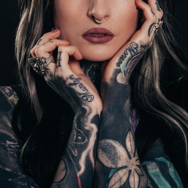 the-real-pros-and-cons-of-face-and-body-tattoos