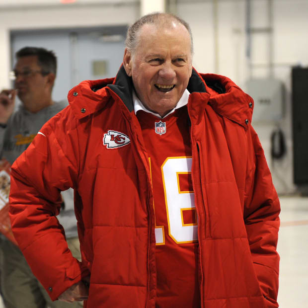 top-5-kansas-city-chiefs-quarterbacks-of-all-time