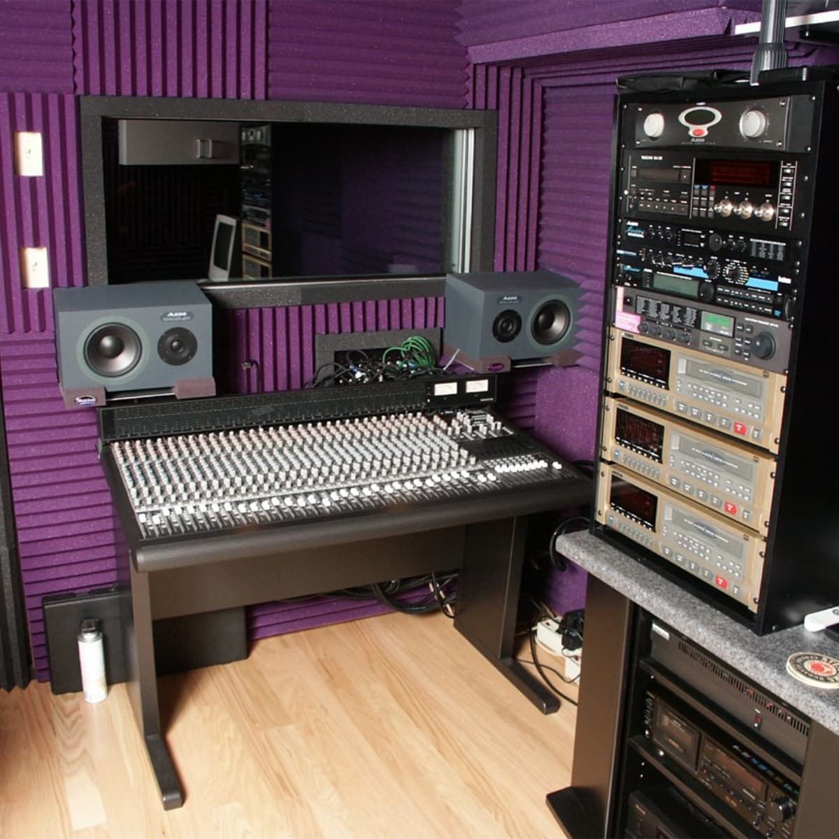 How to Build a Home Recording Studio DIY   Spinditty