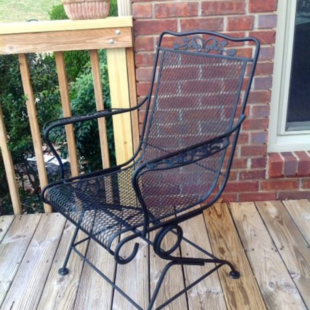 Diy How To Paint A Vintage Wrought Iron Chair Dengarden Home And Garden