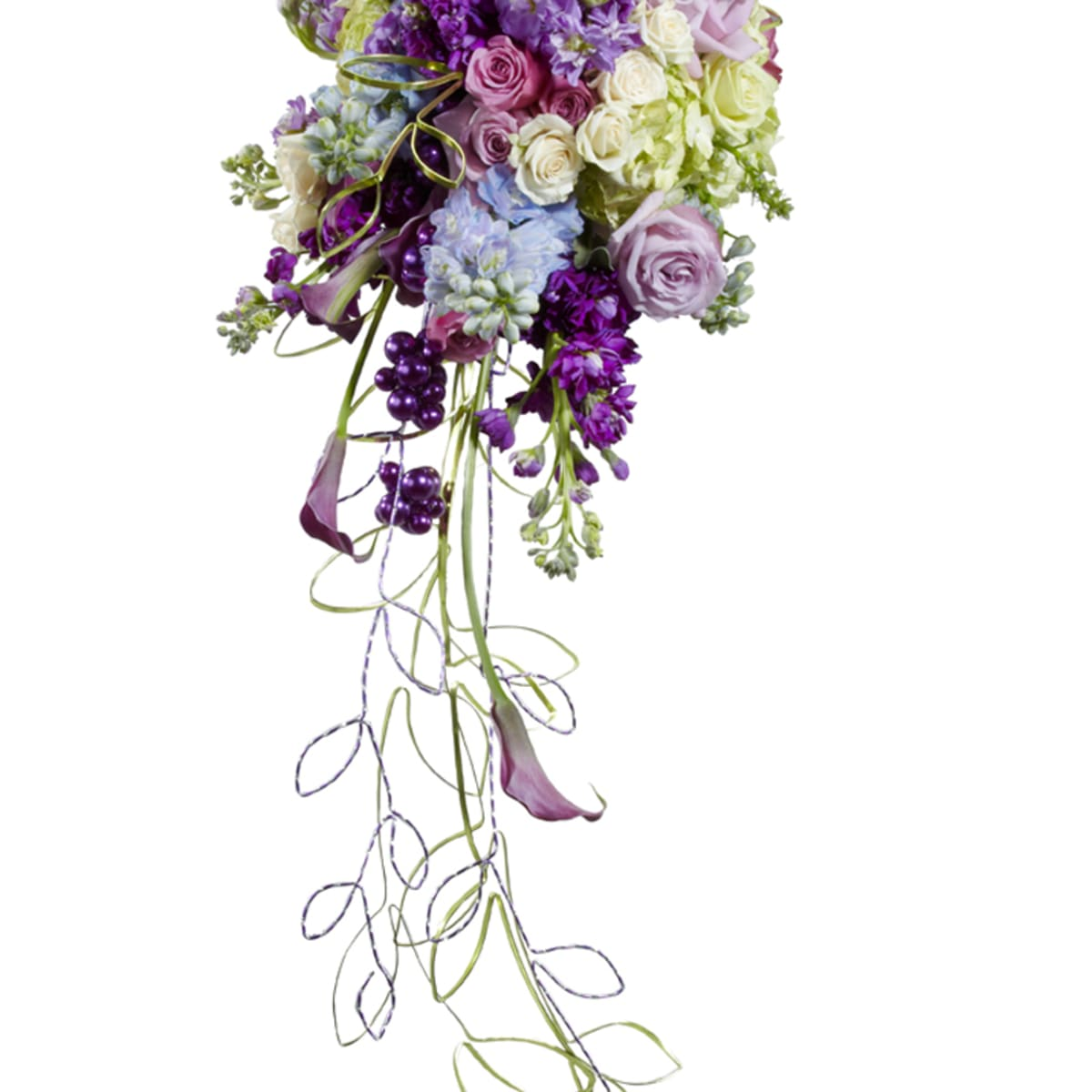 How To Make A Cascading Bouquet With Silk Or Fresh Flowers And Foliage Holidappy Celebrations
