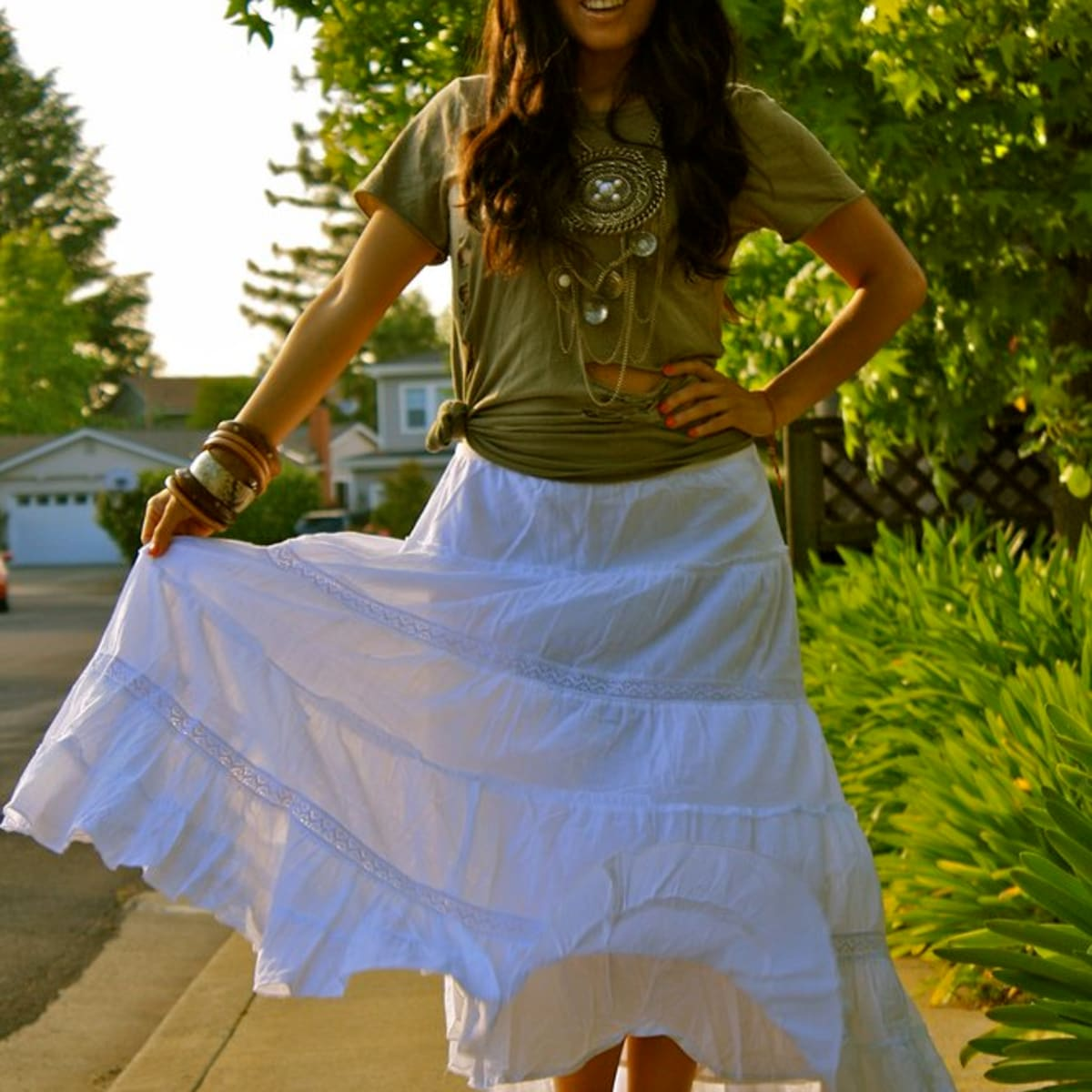 Style Tips on How to Wear a Maxi Skirt - Bellatory