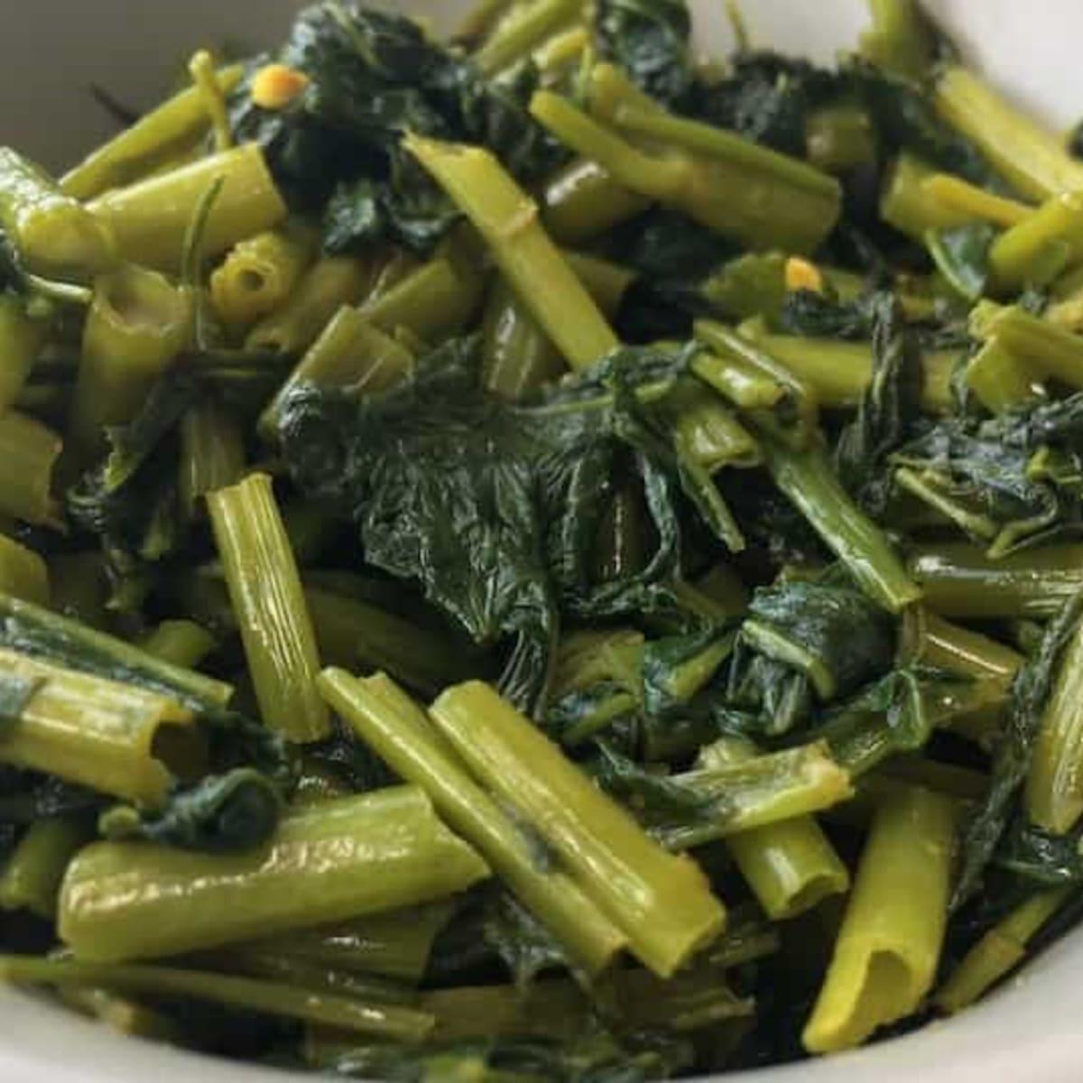 Filipino Style Blanched Kangkong Water Spinach Salad Delishably Food And Drink