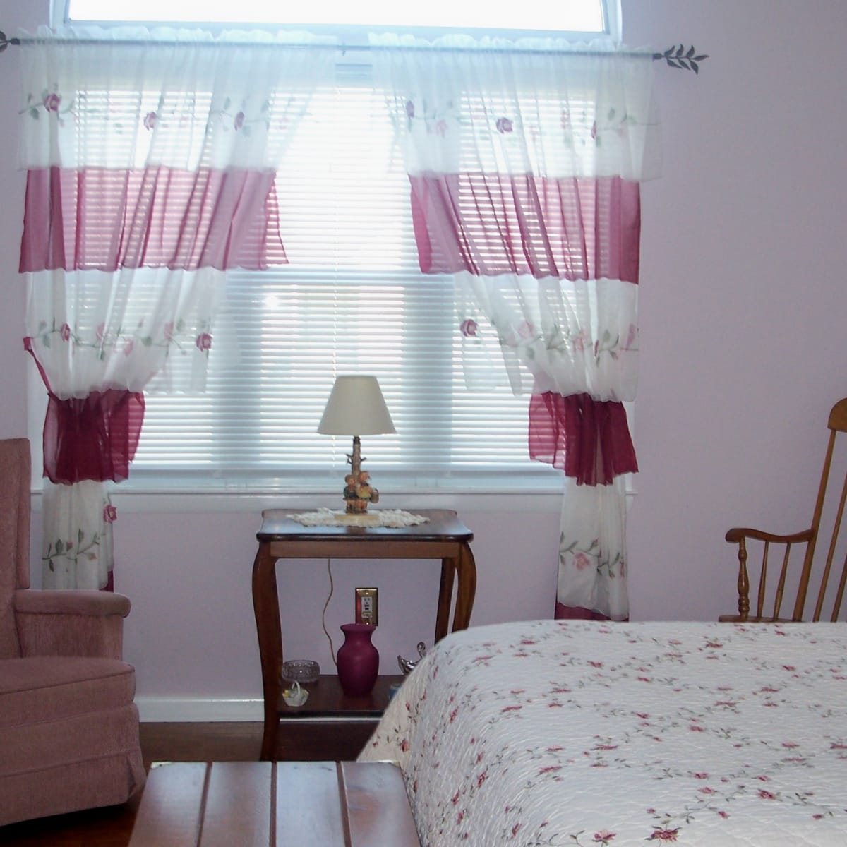 Master Bedroom Decorating A Romantic Makeover On Budget Hubpages