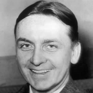 a look at eliot ness and his accomplishments in cleveland Eliot ness was a famed agent who later became the top executive at bank services company diebold inc part of his compensation appears to have been miami — a legal fight is brewing in florida between the estate of untouchables prohibition agent eliot ness and an ohio company over some.