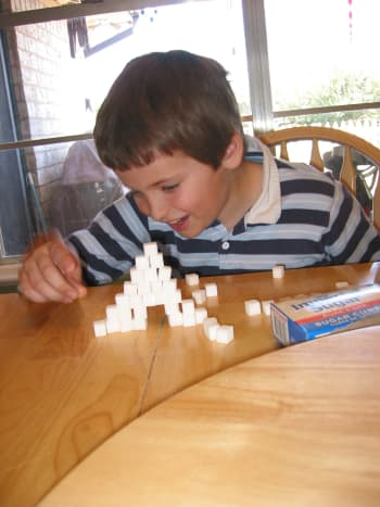 Engineering: Can you make an arch from sugar cubes? (balancing them, no glue)