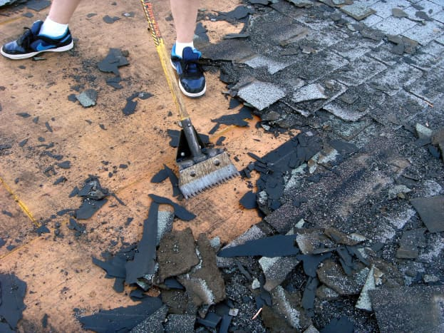 Using the shingle shovel