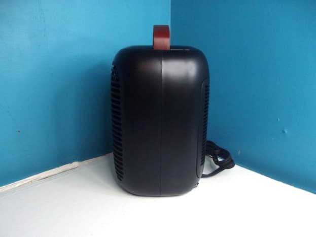Side view of Slaouwo Space Heater.